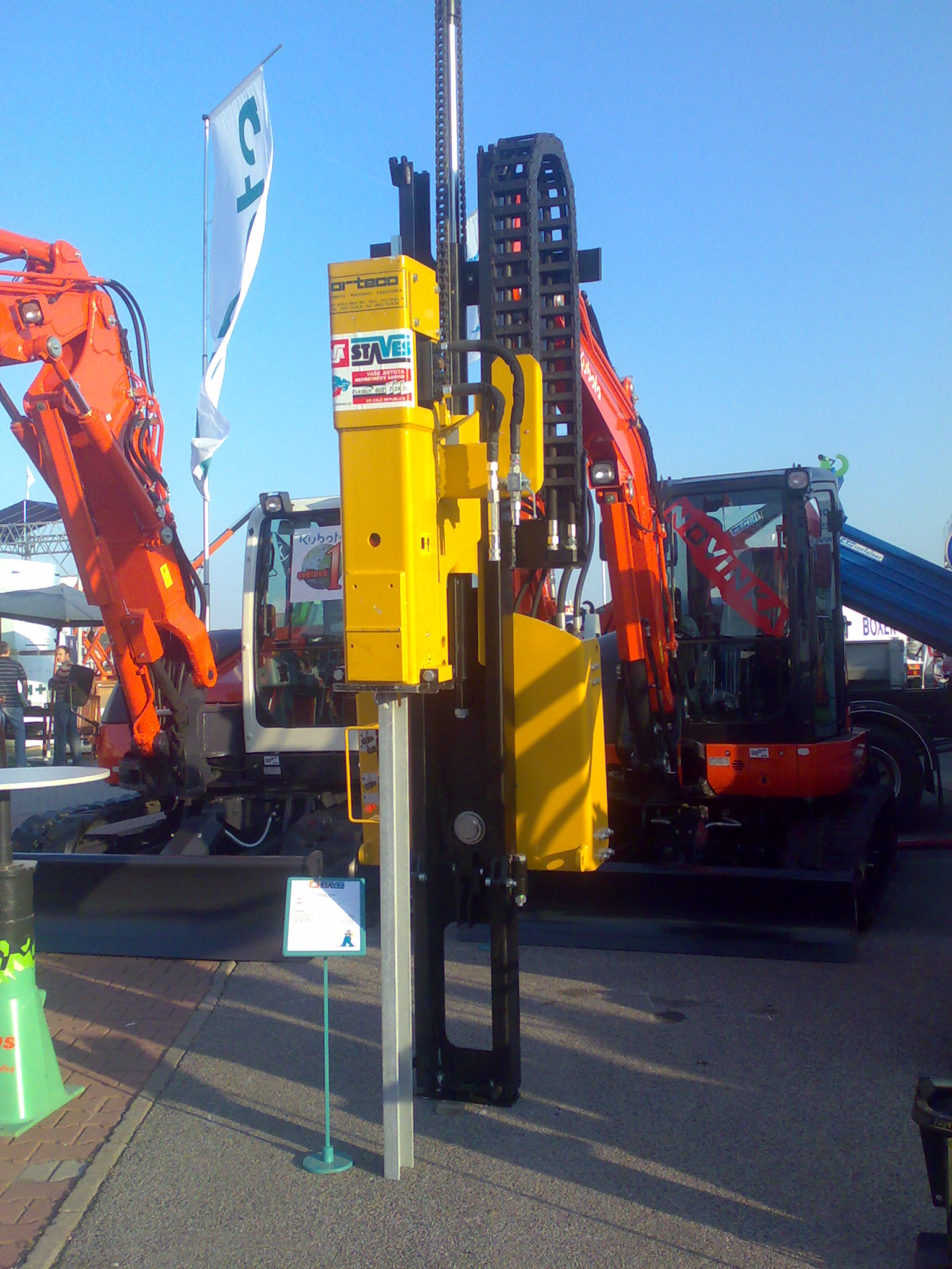 Orteco - Hydraulic pile drivers for safety barriers, solar