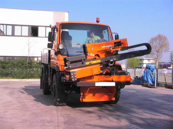 Piledriver truck mounted - Unimog - front connection