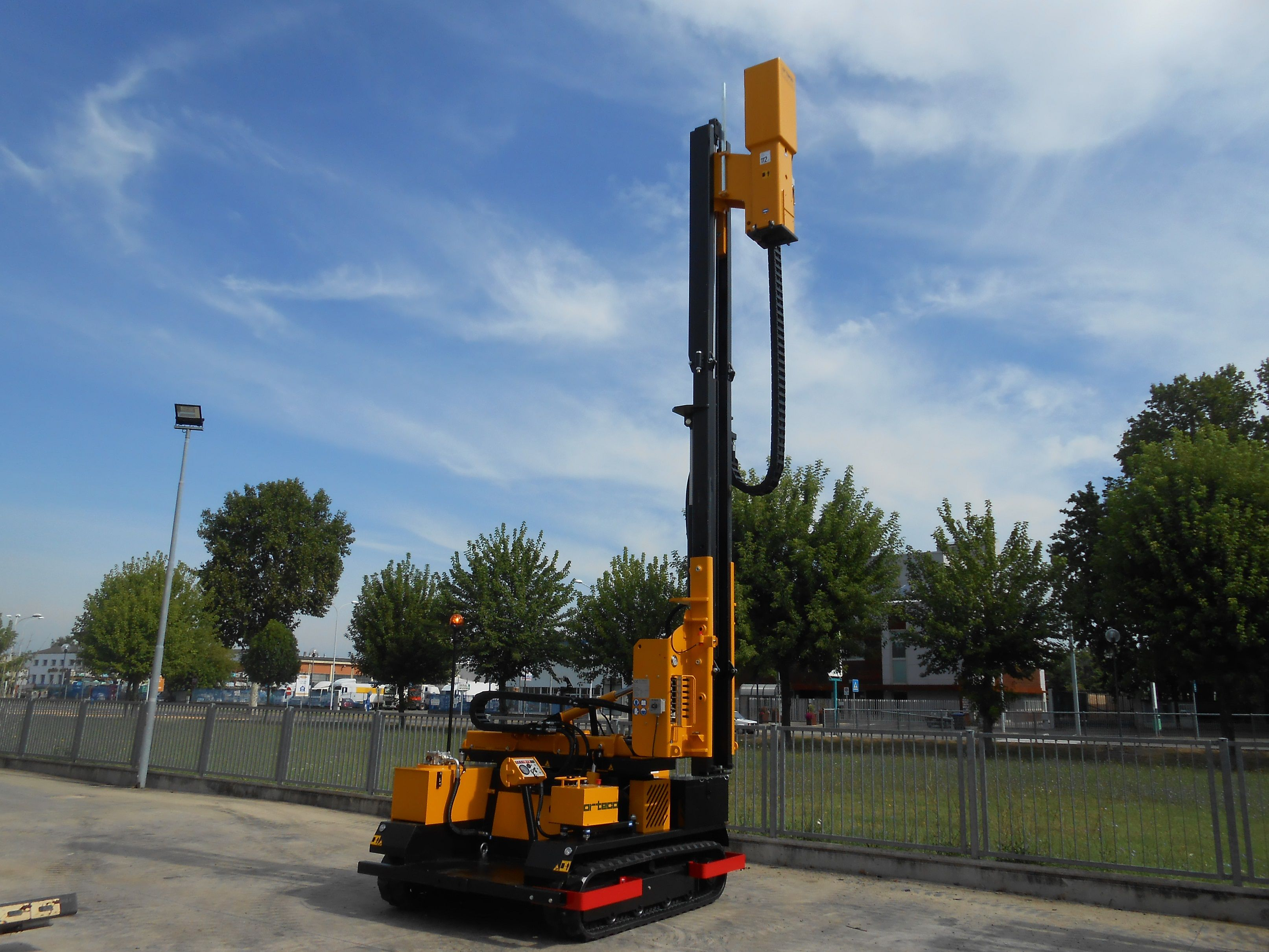 Orteco - Hydraulic pile drivers for safety barriers, solar plants