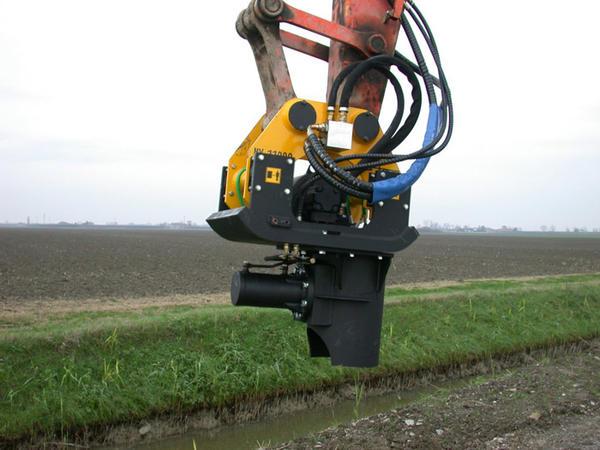 Crawler-Mounted pile driver  - PV11000