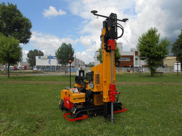 Piledriver crawler mounted - Agricultural pile driver